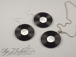jewelry set with vinyl records by polyflowers