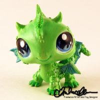 The Littlest Dragon custom LPS by thatg33kgirl