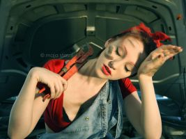 Hard Working Girl by fatallook