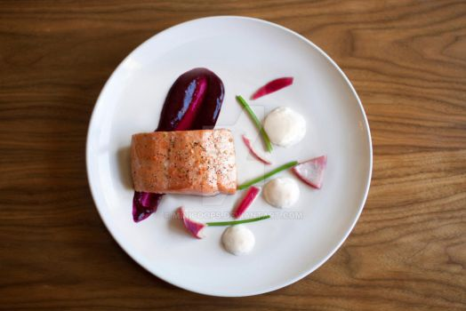 Medium Atlantic Salmon with Beetroot fluid Gel by Minicoops