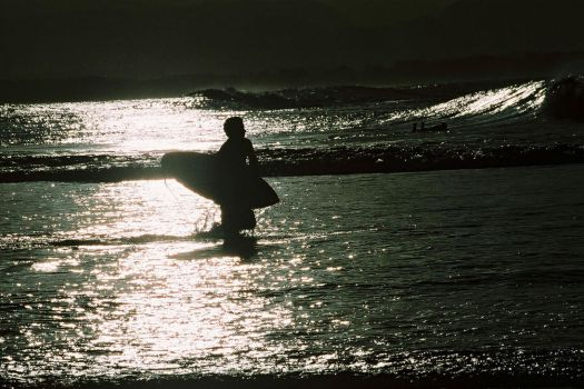 Surfing silhouette 5 by wildplaces