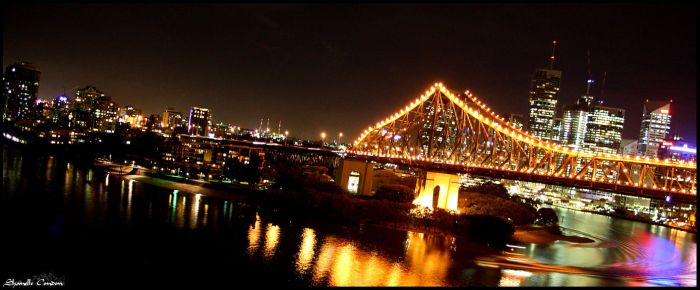 Story Bridge Reflections by twistedreams