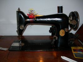 1930 Singer Sewing Machine by UrsulaPatch