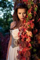 Red Ivy by arius86