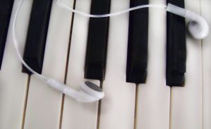 piano and earphones by matthey