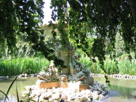 Fountain by CaperGirl