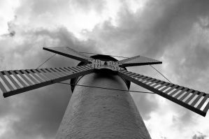 Another windmill by niebrat