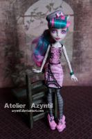 Monster High: City of Lights Rochelle by Azyntil