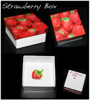 Strawberry box by elen89
