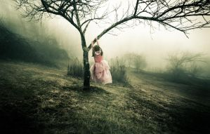 Princesses Do Climb Trees by disillumen
