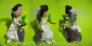Bride kissing a frog by joedsonrosa