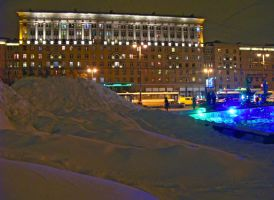 Huge snow pile :D by FFFim