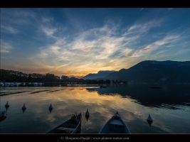 Sunrise on Annecy's Lake by Benj01