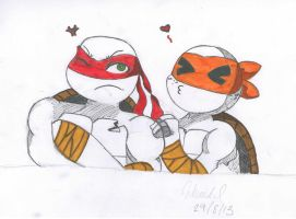 Mikey and Raph by McKrunkel