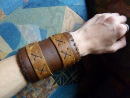 Wrist bracer by mind-traveler