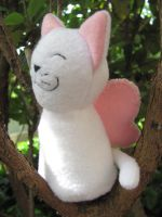 Pink and white Kitty-fly by Thylacine-Hunter