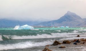 The ice hits the coast by luethy