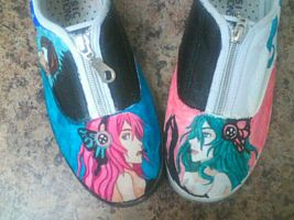 Vocaloid Magnet Painted Shoes by Marchen-de-lune