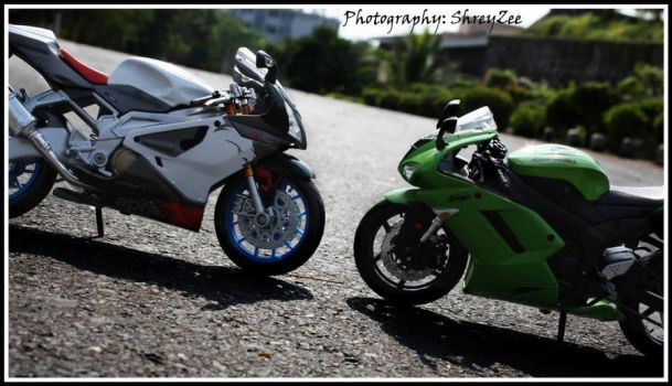 Ninja and Aprillia 3 by shreyzee