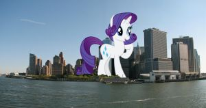 Giant Rarity takes Manhattan by TheOtterPony