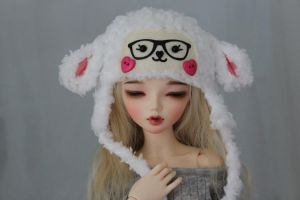 Nerdy sheep hat for Minifee BJD by guppykisses