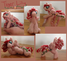 Tiger Lily Needle Felt Pose-able Pony by the-pink-dragon