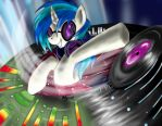Vinyl Scratch by Suirano