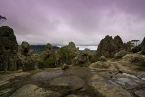 Hanging Rock 1 by fazz1977