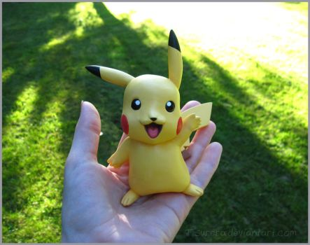 Pokemon Pikachu Sculpt 02 by Tsurera