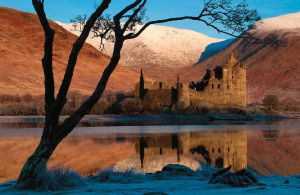 Kilchurn Castle by crowthius