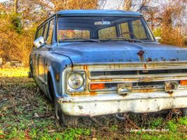 Old 1968 Chevy Suburban by jim88bro