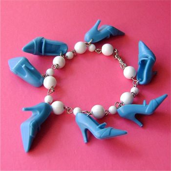 Blue and white shoe bracelet by Quirkz