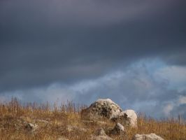 hilltop rocks by fotophi
