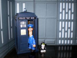Pat, His Cat and the TARDIS by CyberDrone
