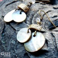 Oceana earrings, brass, white by che4u