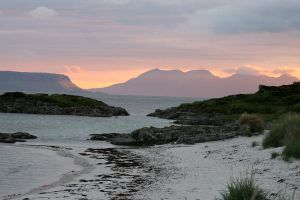 Sunset in Morar 2 by Enlothien