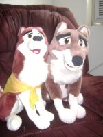 Balto and jenna plush love XD by Dunkin-Prime