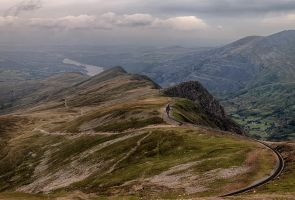 descending snowdon by CharmingPhotography