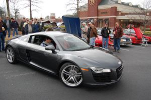 Audi R8 II by short-shift90