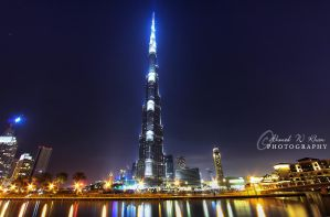Burj Khalifa by night by ahmedwkhan