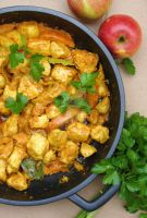 Apple and Chicken Curry by neongeisha