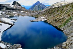 paradise lake by BCMountainClimber