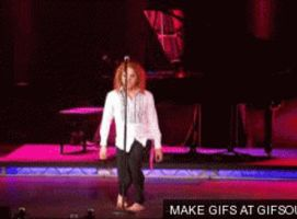 Tim Minchin's Wiggly Dance by Applescruffgirl