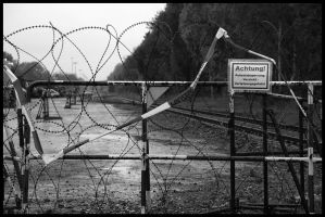 barbwire 3 by kn23