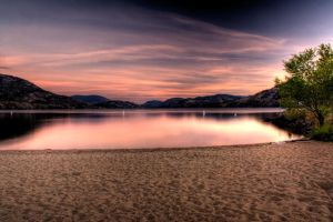 Skaha Lake by JoeJoeBob