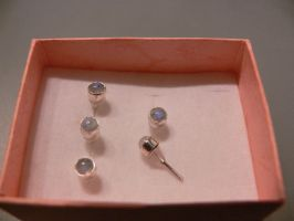 silver earring with moonstones by irineja
