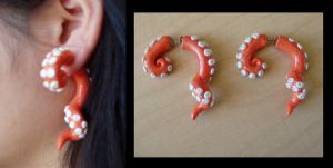 Fake Gauge Tentacle Earrings by KittyAzura