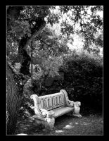 Stone bench by Hemhet