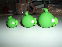Angry Birds: 3 little Pigs (Side View) by Dreamcraft-Studios