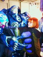 T00thie hugging a TERRAN!!!! With creepy eyes... by T00thie